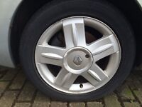 RENAULT CLIO 172/182 SPORT ALLOY WHEELS X 4 WITH TYRES 195/50/R15 WITH CENTRE CAPS MODIFIED SALVAGE