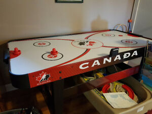 table air hockey 75$ non négociable
