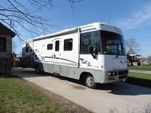 FOR SALE - 1998 Winnebago 35 wp (1997 Ford Chasis)