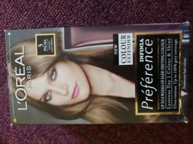 L'Oréal paris natural light brown hair dye