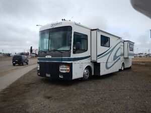 2001 Fleetwood Discovery 39ft