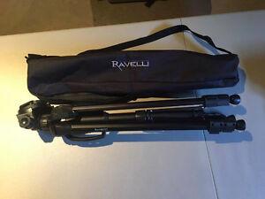 BRAND NEW RAVELI 61-INCH LIGHT WEIGHT ALUMINUM TRIPOD WITH BAG