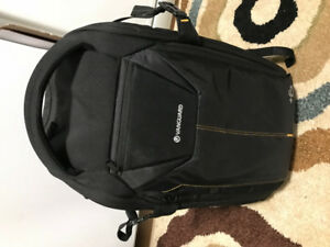 Excellent condition Vanguard Alta Rise 45 backpack