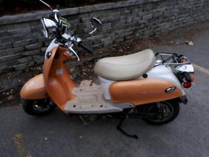 2009 Bravo EVT electric scooter electrique 1500watt avec charger
