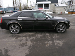Chrysler dodge 300 srt8 rare awd 450hp modifié remonté