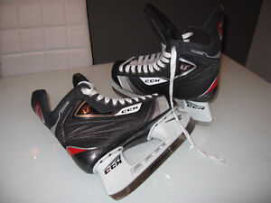 Patin hockey CCM pointure 10 neuf