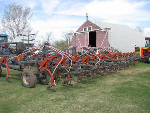 Flexicoil 800 seeder & 1615 grain cart