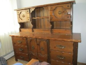 chest of drawers with hutch