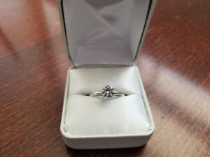 Engagement ring - solitaire 6.5mm/1ct moissanite, 14k white gold