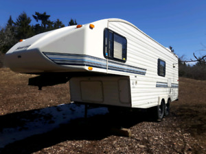 Sunrise 5th wheel  *$6500 in your name*