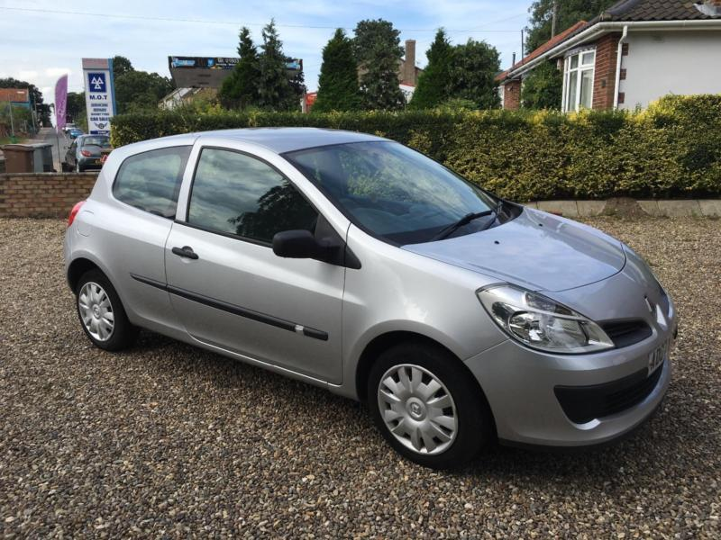 renault clio 1 2 16v 75 expression in norwich norfolk gumtree. Black Bedroom Furniture Sets. Home Design Ideas