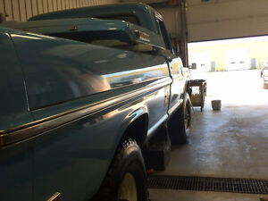 FORD F250 4x4 FACTORY HIGHBOY