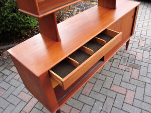 mId century modern buffet and hutch, Teak buffet and hutch London Ontario image 5
