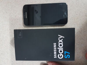 Selling black  Samsung galaxy S7 32 gig memory mint condition
