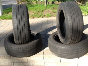 4Pneus  4 saisons 195-65-15 dunlop sport5000 bon condition