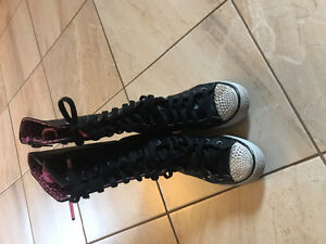 Size 1 Sketchers Boots