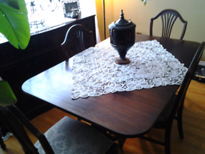 Dining Room table and chairs  NEGOTIABLE...