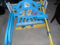 winnie  pooh and  tigger  blue  toddler  bed