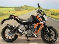 KTM Duke 200 2015 **One Owner from New, 6379 Miles, Hawk Exhaust System**