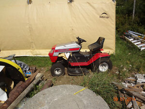 Wanted Old Lawn tractors or snowblowers