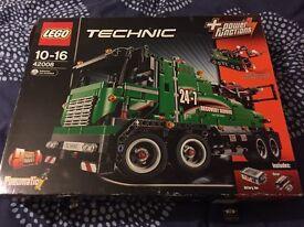 Lego Technic 42008 recovery truck