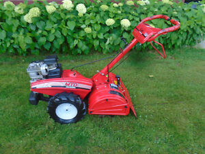 Rotoculteur MTD 5 HP a roues motrices