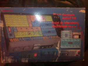 Science fair 200 in 1 electronic project kit vintage 1987 tandy
