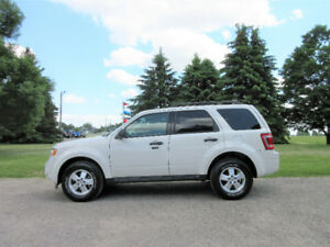 2011 Ford Escape XLT V6 Crossover- Leather & Sunroof!! $57/ week