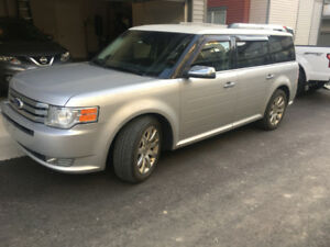 2009 Ford Flex Limited AWD - Low KMs
