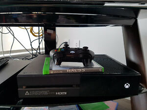 Xbox One with Halo 5