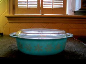 Magnifique Pyrex casserole turquoise snowflakes Vintage
