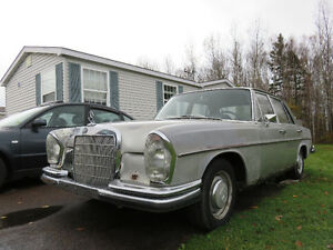 1968 Mercedes 250se MUST SELL make an offer $1400.00