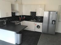 STUDENTS: Superb 5 bedroom HMO flat in Polwarth with TV & WiFi available September