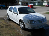 2008 Volkswagen Golf city 4dr , 4cly , 5 spd, fully loaded $6700