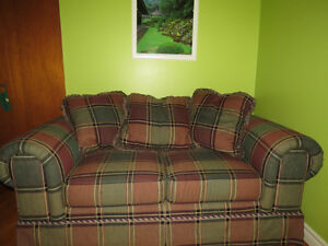 Quebec made couch West Island Greater Montréal image 3