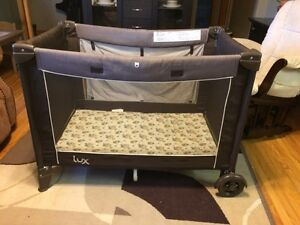 REDUCED Safety 1st Lux playpen
