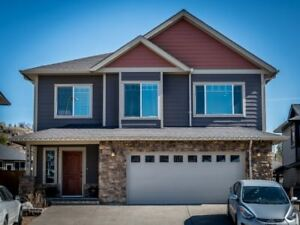 Pineview Valley - Custom Home with 1 Bdrm Suite