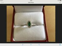 18ct White Gold Emerald And Diamond Ring £350 ONO