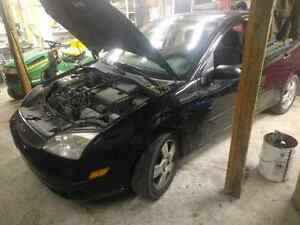 2005 ford focus part out