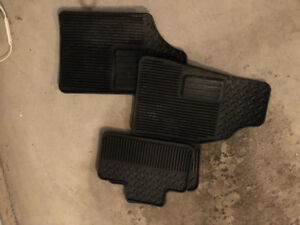 GMC Canyon// Chevy codoraldo floor mats