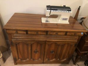 Singer Athena 2000 Sewing Machine with Cabinet