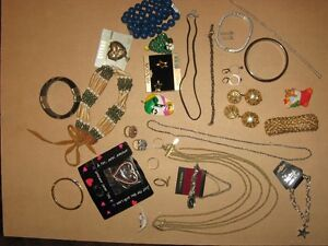 COSTUME JEWELLERY #7 30 PIECES FOR $5
