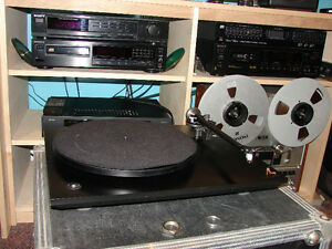 Black Rega P3 Turntable / Record Player with accesories Gatineau Ottawa / Gatineau Area image 5