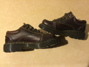 Dr. Martens Airwair Shoes Size 4 Male, 5 Women London Ontario image 6