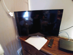 """32"""" led tv with a sony blu ray player"""