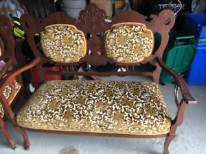 ANTIQUE Setee and Chairs