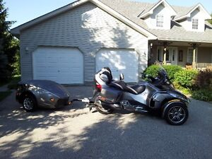 CAN AM SPYDER AND TRAILER IN MINT CONDITION