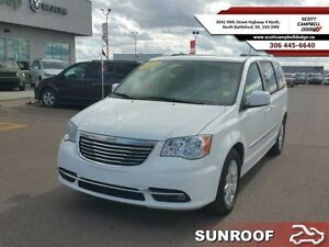 2015 Chrysler Town  Country Touring   - one owner - ex-lease - T