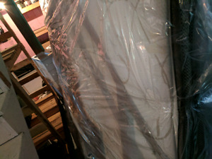 Queen size mattress pillow top - used for 4 years