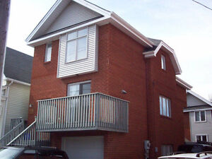 3390 6br - HOUSE, OTTAWA UNIV., SANDY HILL, DOWNTOWN, MAY 1ST